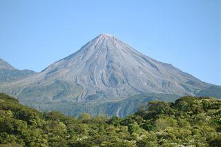 320px-Volcan_de_Colima_2