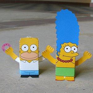 Homero y March figuras para armar