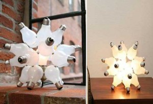 Novedosa lámpara con focos reciclados
