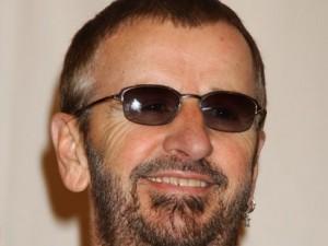 Con mensaje de Paz y Amor Ringo Starr pide a sus fans ya no le escriban
