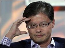 Jerry Yang renuncia a su cargo de Director de Yahoo