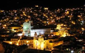 El Presidente Municipal de Guanajuao dice que ahora es La Capital del Beso
