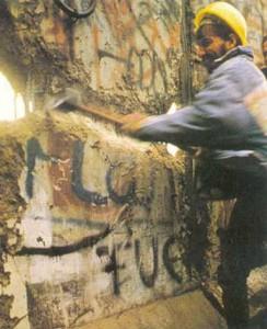 Encuentran departamento intacto de antes de la caída del muro de Berlín