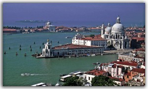Máquinas expendedoras de Coca Cola por toda Venecia