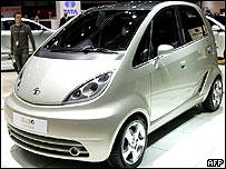 El auto Nano costará menos de 2 mil dólares
