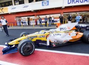 Fernando Alonso rompió el motor de su poderoso R29