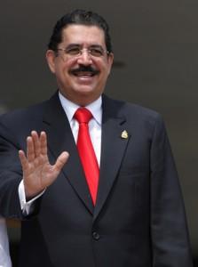El ejército impidió el aterrizaje del avión con Zelaya en Honduras
