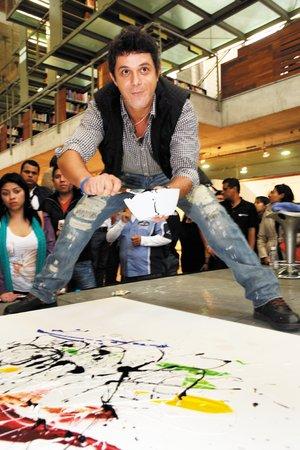 Alejandro Sanz pintó y alborotó en México