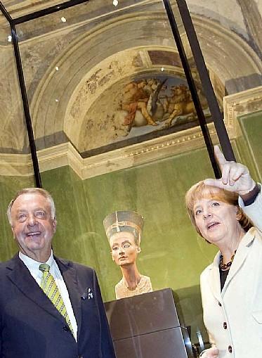 Nefertiti podría regresar a Egipto