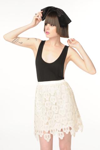 Falda de calaveras en crochet