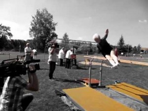 La gimnasta Johanna Quaas sorprende a sus 86 años