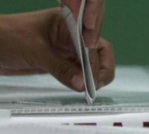 Votar o abstenerse equivale a decidir o a dejar que decidan por nosotros