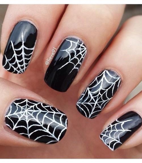Spider-Halloween-Nail-Design-uñas