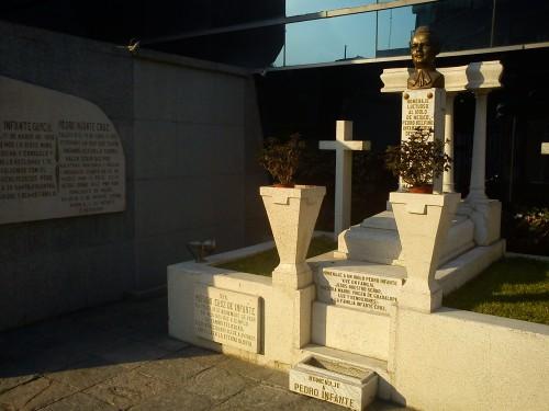 tumba pedro infante-panteon jardin